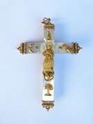 Religious style Cross in mother of pearl and 18kt gold in mother of pearl and 18kt gold, Europe arround 1900
