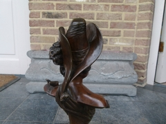 Art-nouveau signed Decam style Bronze patinated buste of a lady in bronze, France 1900