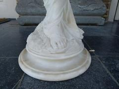 Belle epoque,by E. Battialia style Sculpture of a lady in alabaster, Italie 1880
