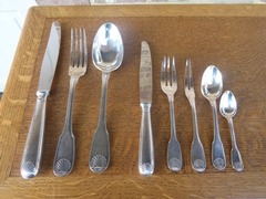 Christofle vendome style 111 pieces Cutleryset in original box in silverplated , France 1925
