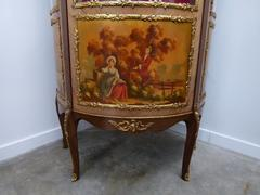 style Displaycabinet in bronze and painting, France 1950