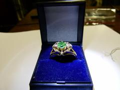 style Lady,s ring with smaragd and briljant 6.3 gr  in 14kt gold,smaragd and briljant 1970