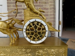 style mantel clock 'char de l'amour' in gilded bronze, France 1850