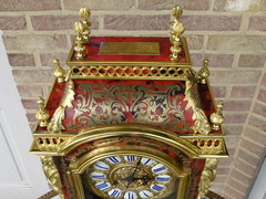 Napoleon 3 style  cartel Clock in gilded bronze and tortoiseshell marquetry, France 1880