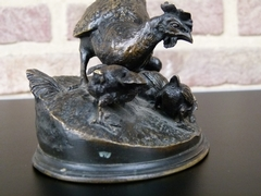 Napoleon III style Sculpture by P.J.Mene of mother chicken and chickens in patinated bronze, France 1870