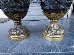 Paire vases with cherubs in patinated bronze, France 1880